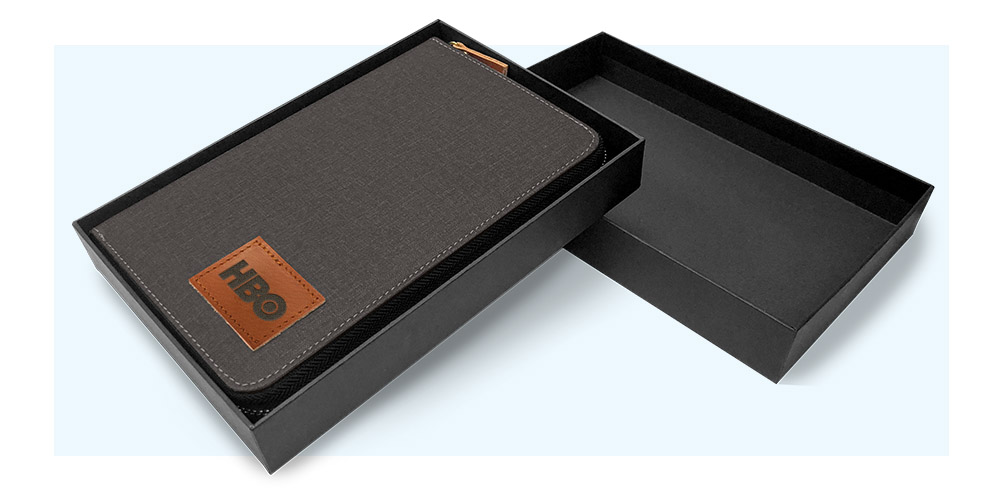 Standard Tech Wallet Packaging
